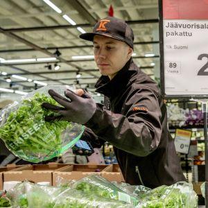 Ruoan keräilyä  Citymarket Eastonissa
