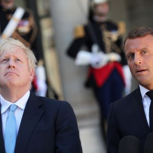 Boris Johnson yhdessä Ranskan presidentin kanssa