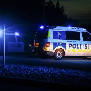Timinsaarentien risteyksessä poliisin tiesulku 25. elokuuta.