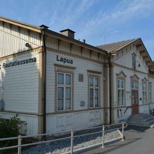Lapuan rautatieasema