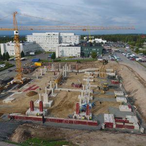 Lapin keskussairaalan pysäköintitalon rakennustyömaa