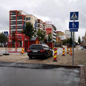 Kävelykatu avattiin liikenteelle Kemin keskustassa.