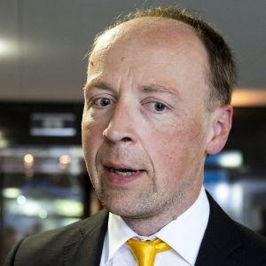 Jussi Halla-ahon mielestä työllisyystoimet ovat sosialistisia.