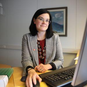 Laura Enbuska-Mäki