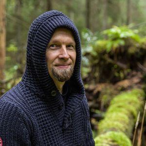 Jarko Taivasmaa on kehittänyt metsään uppoamisen menetelmän