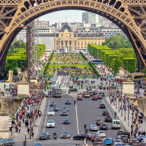 Kaupunkinäkymä Pariisista.