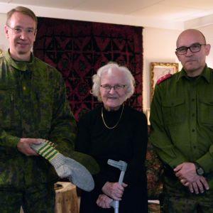 Porin prikaatin komentaja prikaatinkenraali Mika Kalliomaa, Kaisu Pihlaja ja Pohjanmaan alueen kutsuntaupseeri luutnantti Harri Kevari