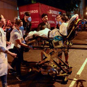 Rio de Janeirossa syttyi myöhään torstai-iltana paikallista aikaa tuhoisa sairaalapalo. Potilaita siirretiin hoitoon toisiin sairaaloihin palon takia.