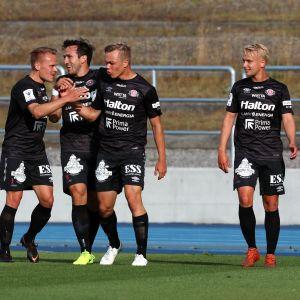 FC Lahti juhlii