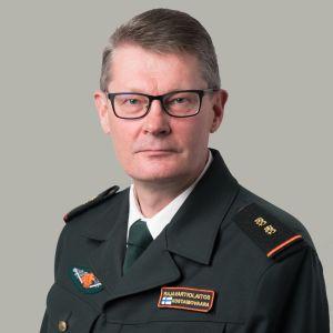 Rajavartiolaitoksen päällikkö Pasi Kostamovaara.