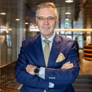 Vesa-Pekka Kangaskorpi luottaa siihen, että painettu lehti pysyy ilmoitusmarkkinoilla vielä pitkään.