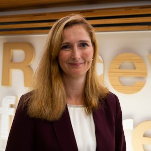 Metsäkonserni Stora Enson uudeksi toimitusjohtajaksi tulee ruotsalainen Annica Bresky.