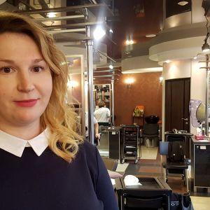 Viipurilaisen Tout a Fait -kauneushoitolan liikkeenhoitaja Natalija Kabejeva.