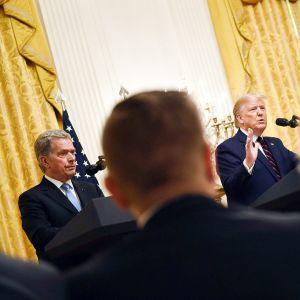 Sauli Niinistö ja Donald Trump tiedotustilaisuudessa Valkoisessa talossa 2. syyskuuta.