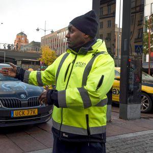 Taksiasema Tukholman keskusrautatieaseman edustalla lokakuussa 2019.