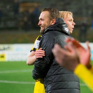 Jani Honkavaara ja Ville Saxman KuPS-Ilves -pelin jälkeen 27.9.2019.