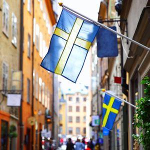 ruotsin lippuja tukholman vanhassa kaupungissa
