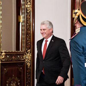 Miguel Díaz-Canel vierailee Moskovassa.