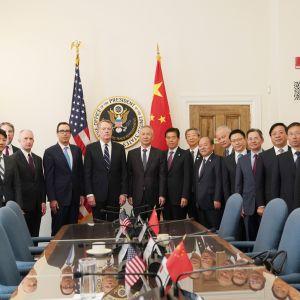 Yhdysvaltain ja Kiinan edustajat aloittivat kauppaneuvotteluissa uuden kierroksen Washingtonissa torstaina.
