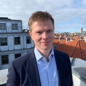 Kuopiosta kotoisin oleva Antti Pulkkanen (40) on valittu LähiTapiola Savon toimitusjohtajaksi.
