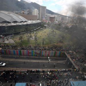 Alkuperäiskansojen liikehdinnästä alkaneet mielenosoitukset jatkuivat lauantaina pääkaupunki Quitossa.