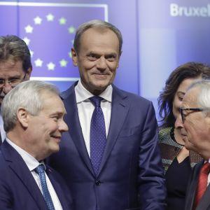 Suomen pääministeri Antti Rinne, Eurooppa-neuvoston puheenjohtaja, Donald Tusk ja Euroopan komission puheenjohtaja Jean-Claude Juncker tänään Brysselisssä.