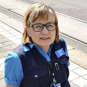HSL:n lipuntarkastaja Eija Kaislama.