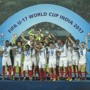 Englanti juhli 2017 U17-poikien jalkapallon MM-kultaa Intiassa