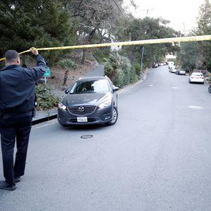 Orindassa, Kaliforniassa poliisi valvoi rikospaikkaa, jossa viisi kuoli halloween-juhlan ammuskelussa torstaina.