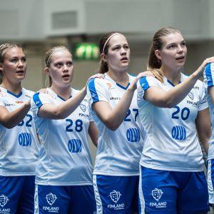 Naisten maajoukkue maaottelussa Salossa syyskuussa 2019.