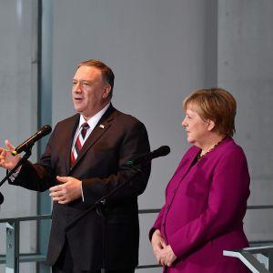 Yhdysvaltain ulkoministeri Mike Pomeo ja Saksan liittokansleri Angela Merkel