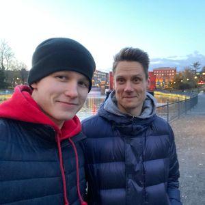 Patrik Puistola ja Pasi Puistola poseeraavat kameralle.