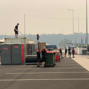 Australian rallin huoltoparkkia purettiin Coffs Harbourissa varhain tiistaiaamuna Suomen aikaa.