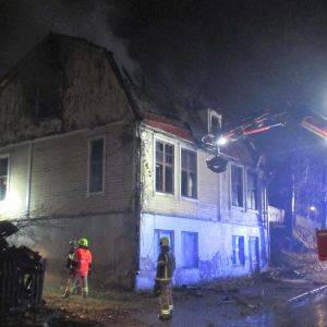 Poliisi katkaisi Jalkarannantien Rullakadun ja Tapanilankadun välillä keskiviikkoaamuna 13.11.2019.