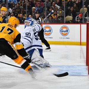 Kasimir Kaskisuo debytoi NHL:ssä 16.11.2019 Pittsburghissa.