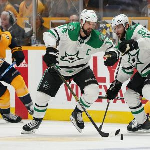 Jamie Benn #14 and Tyler Seguin