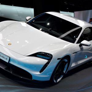 Porschen sähköauto Taycan.
