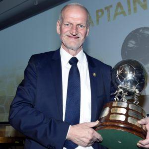 Captain's Ball palkittu Jari-Pekka Keurulainen.
