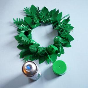 Upea joulukranssi syntyy kätevästi roskista.