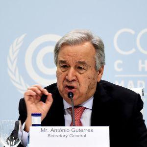 YK:n pääsihteeri Antonio Guterres puhuu Madridissa ilmastokouksessa.