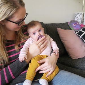 Annika Ljunggrenin kolmas lapsi syntyi ambulanssissa Hangon ja Hyvinkään välisellä valtatiellä.