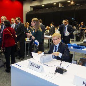 Kimmo Tiilikainen Madridin ilmastokokouksessa.