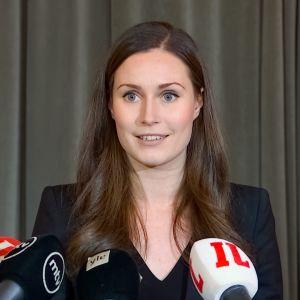 Sanna Marin pääministeriäänestyksen jälkeen jälkeen eduskunnassa lehdistötilaisuudessa 10. joulukuuta 2019.