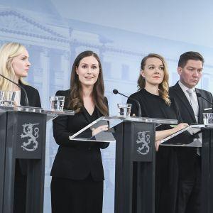Ministerit lehdistötilaisuudessa 10. joulukuuta 2019.