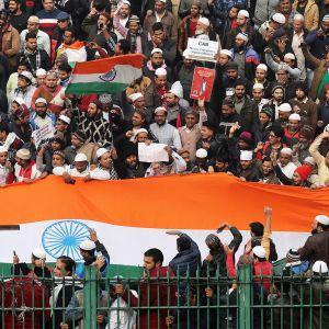 Msulmiaktivistien mielenosoitus kansalaisuuslakia vastaan Delhissä.