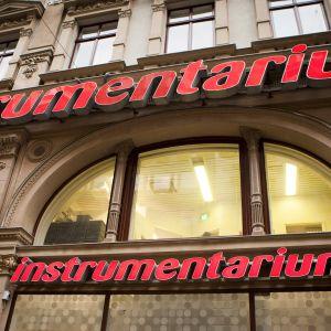 Instrumentariumin myymälä Aleksanterinkadulla Helsingissä.