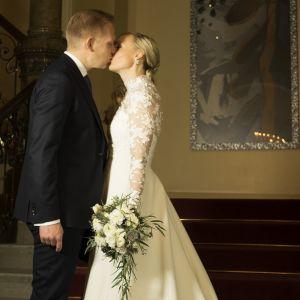Maria Ohisalo on mennyt naimisiin Miika Johanssonin kanssa.