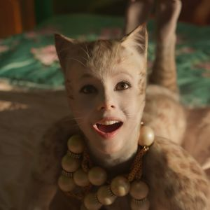 Alkuperäisessä Cats-musikaalissa sivuosassa ollut Victoria (Francesca Hayward) on elokuvaversion päähenkilö.