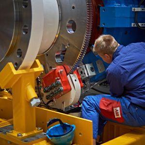 Azipod-potkurien valmistusta ABB:n Vuosaaren tehtaalla.