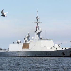 Ranskalainen La Fayette -luokan fregatti  Guepratte kuvattuna Manilassa toukokussa 2016.